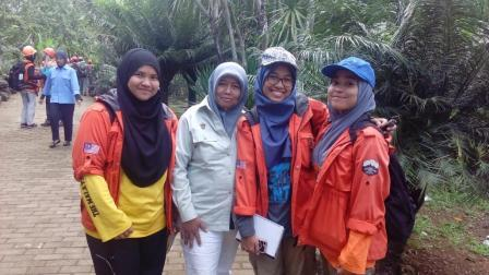 Field geology activities of Universiti Malaysia Kelantan student at Barru area, South Sulawesi, Indonesia